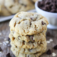 Oatmeal-Chocolate-Chip-Cookies-2