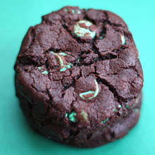 Chocolate Mint Chip Cookies | Two Peas & Their Pod