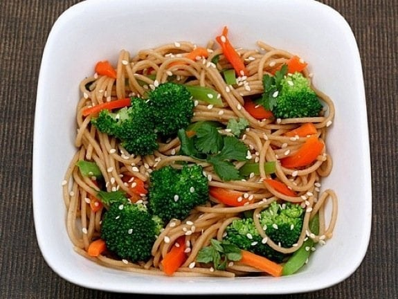 Whole Wheat Noodles with Peanut Sauce and Vegetables Recipe