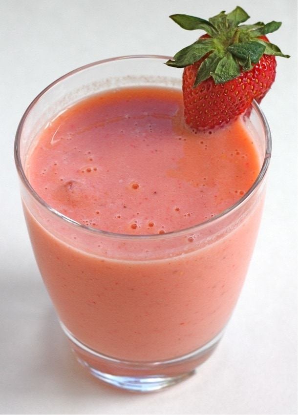 Easy Strawberry Mango Smoothie Recipe | Two Peas & Their Pod