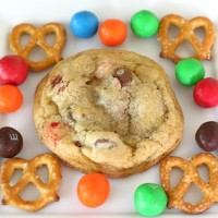 pretzel M&M cookie