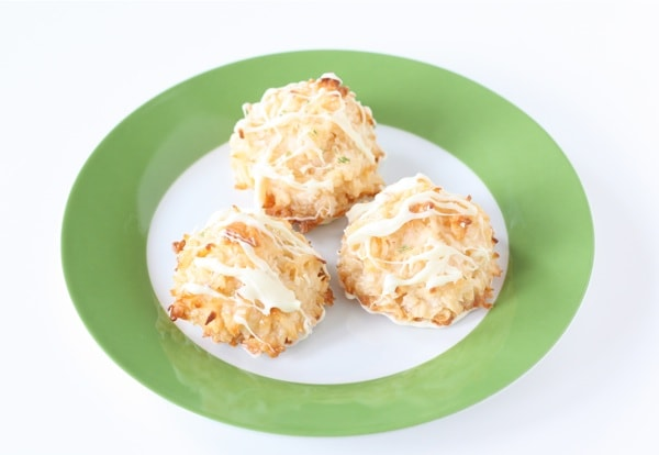 Coconut Lime Macarons with White Chocolate | Two Peas & Their Pod