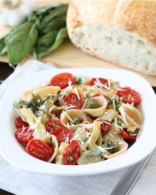 Orecchietta-with-slow-roasted-tomatoes-and-artichokes