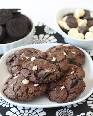 triple-chocolate-Oreo-chunk-cookies7