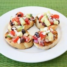 greek-salad-bruschetta2