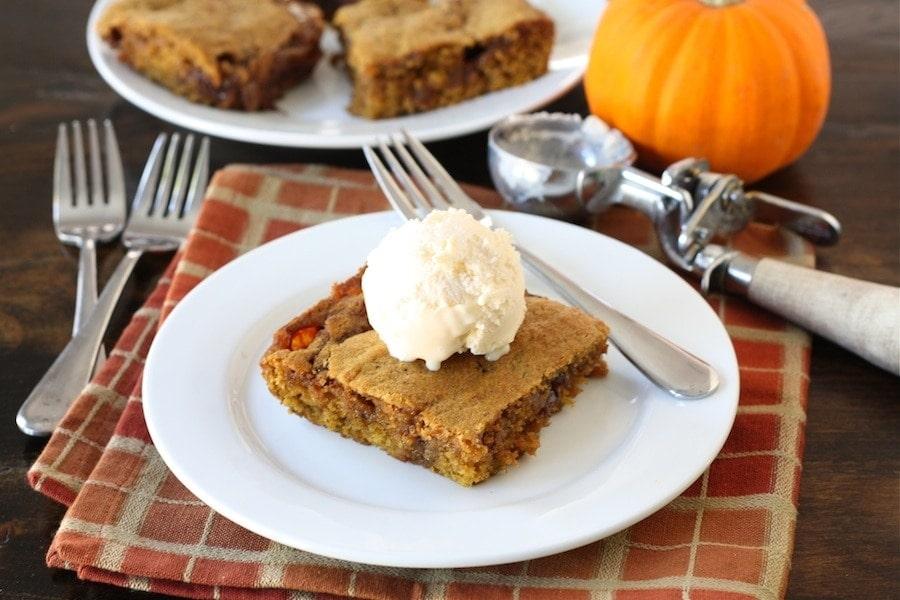Ooey Gooey Pumpkin Cake Recipe