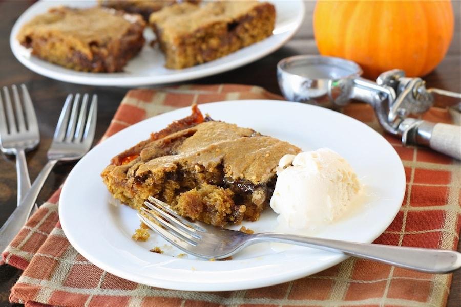 Ooey Gooey Caramel Pumpkin Blondies | Pumpkin Blondie Recipe | Two ...