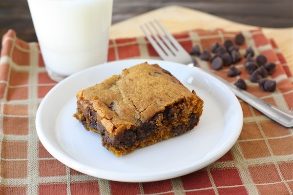 Pumpkin Chocolate Chip Bars on twopeasandtheirpod.com #recipe