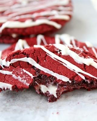 red-velvet-cheesecake-cookies