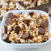 Reese's-peanut-butter-popcorn3