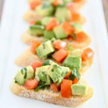 guacamole-bruschetta