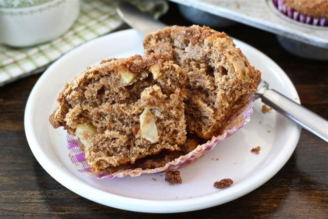 Apple Cinnamon Crumb Muffin Recipe | Apple Cinnamon Muffins | Two Peas ...