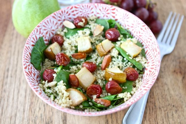 spinach-quinoa-salad-with-roasted-grapes1