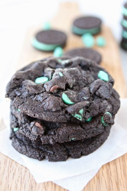 candy cane oreo chocolate chunk cookies recipes dishmaps oreo cookies ...