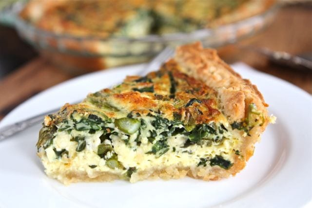 Asparagus, Spinach, and Feta Quiche on www.twopeasandtheirpod.com