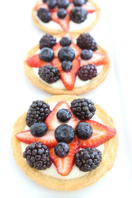 Mini Fruit Pizzas | Fruit Pizza Recipe | Two Peas & Their Pod