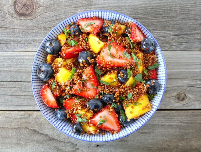 Healthy Quinoa Fruit Sala With Honey Lime Dressing! Delicious! | part of the Clean Eating Quinoa Summer Recipe Roundup!