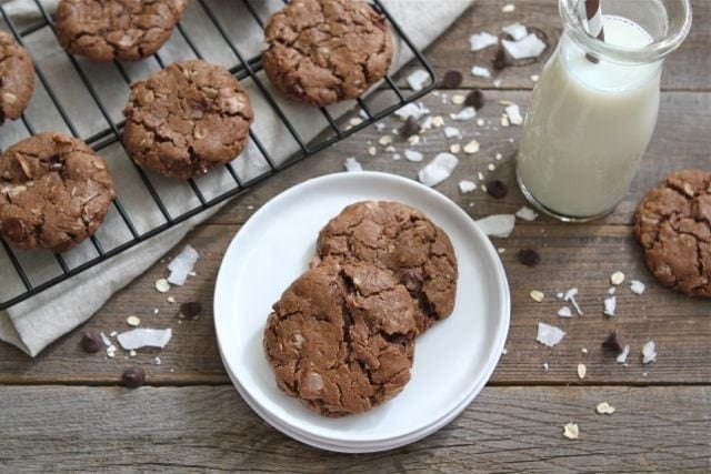 baking this weekend and make Coconut Oatmeal Chocolate Chip Cookies ...