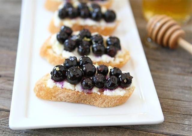 Roasted Blueberry Ricotta Crostini | Blueberry Crostini Recipe | Two ...