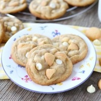 Banana Pudding Cookies | www.twopeasandtheirpod.com They taste just like banana pudding!