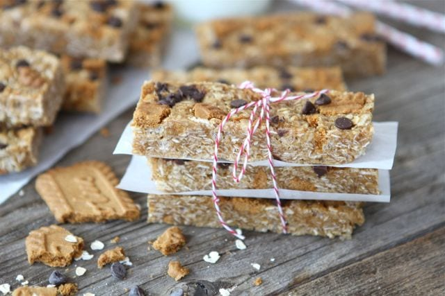 No-Bake Biscoff Granola Bars | No-Bake Granola Bar Recipe | Two Peas ...
