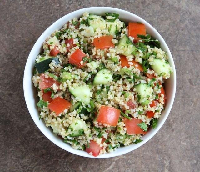 Easy Tabbouleh Salad | Recipe from www.twopeasandtheirpod.com #vegan # ...
