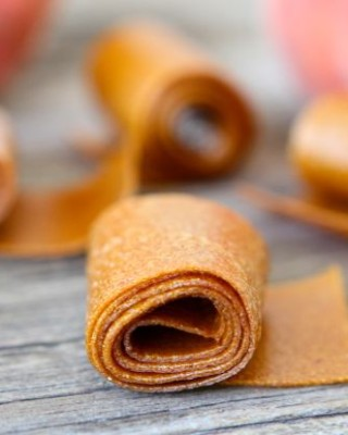 How to make Homemade Fruit Leather from www.twopeasandtheirpod.com #recipe