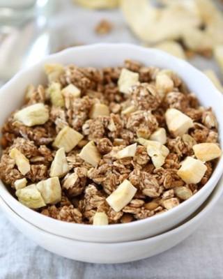 Apple Cinnamon Granola Recipe from www.twopeasandtheirpod.com #recipe
