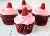 Dark Chocolate Cupcakes with Raspberry Buttercream Frosting from Two Peas and Their Pod (www.twopeasandtheirpod.com) #recipe #cupcakes