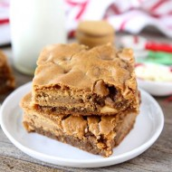 Gingerbread Oreo Blondies from www.twopeasandtheirpod.com #recipe #Oreo