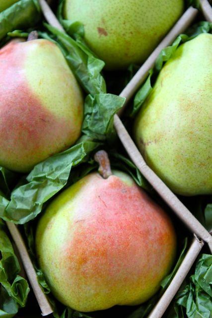 Roasted Apple, Pear & Parsnip Soup | Vegetarian Soup Recipe | Two Peas ...