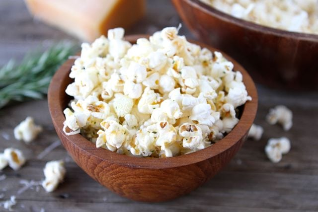 harvey wallbanger popcorn In the us vodka is made from corn which gives a sweeter, popcorn type flavour   harvey wallbanger, long island iced tea, vodka martini and screwdriver.