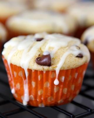 Orange Ricotta Chocolate Chip Muffins | Two Peas and Their Pod | www.twopeasandtheirpod.com #recipe