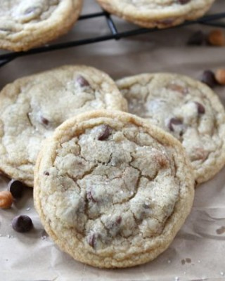 Salted Caramel Chocolate Chip Cookies   Two Peas and Their Pod   www.twopeasandtheirpod.com