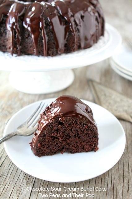 Chocolate Sour Cream Bundt Cake | Chocolate Bundt Cake Recipe | Two ...