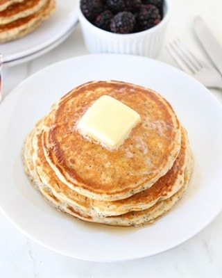 Lemon-Poppyseed-Yogurt-Pancakes-3