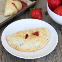strawberry-dark-chocolate-hand-pies1