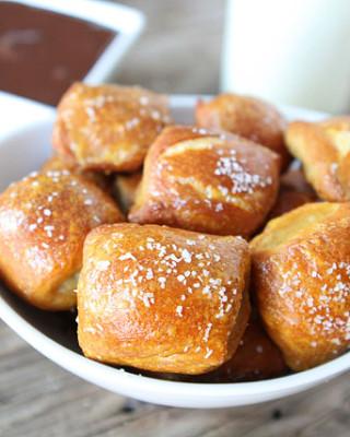 Peanut-Butter-Filled-Pretzel-Bites-4