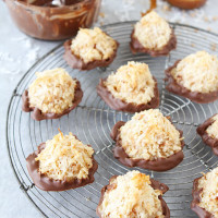 Salted-Caramel-Toffee-Macaroons-6