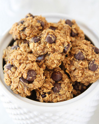 Banana-Peanut-Butter-Chocolate-Chip-Cookies-8