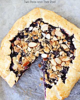 Blueberry-Almond-Streusel-Galette-12