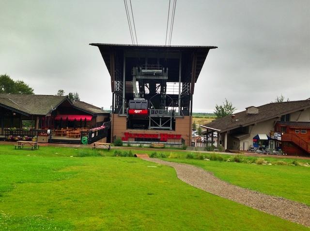 Jackson Hole Tram on twopeasandtheirpod.com