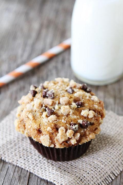 Pumpkin Toffee Chocolate Chip Muffins | Pumpkin Muffin Recipe | Two ...
