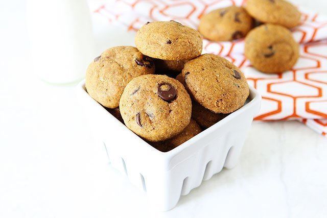 Healthy Pumpkin Chocolate Chip Cookie Recipe on twopeasandtheirpod.com #vegan #recipe