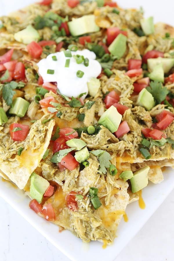 Slow Cooker Chicken Chile Verde Nachos