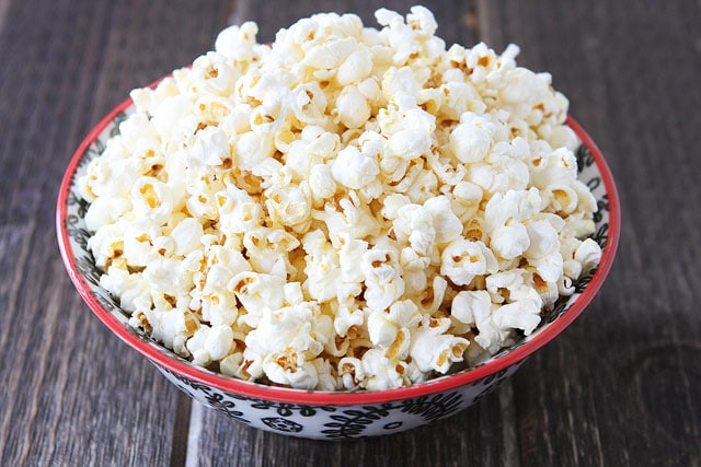 Easy Kettle Corn Recipe on twopeasandtheirpod.com #recipe