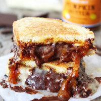Pumpkin-Butter,-Brie,-and-Chocolate-Grilled-Cheese-4