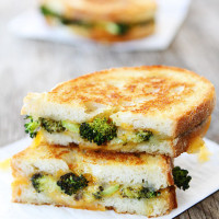 Roasted-Broccoli-Grilled-Cheese-9