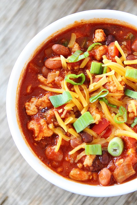 Slow Cooker Turkey Chili Recipe on twopeasandtheirpod.com Love this easy and healthy chili recipe!