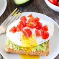Avocado,-Hummus,-and-Egg-Toast-6